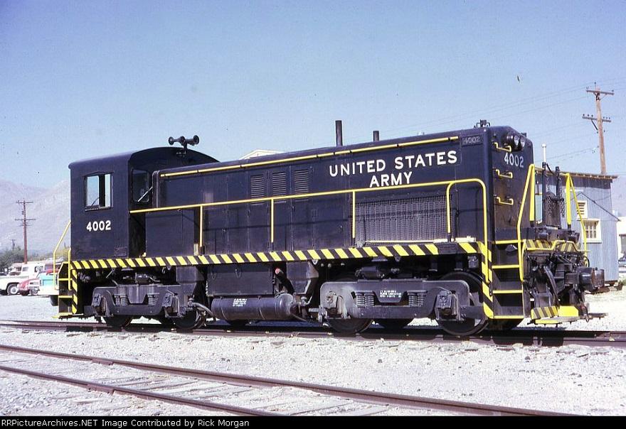 Locomotive 4002 1973 at Fort Bills, TX