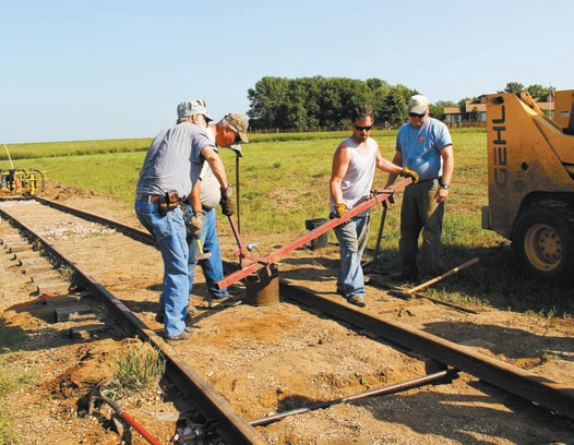 Rauch praises volunteers' work to repair rails at Railroad Days